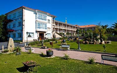 Aparthotel Villa Cabicastro admite mascotas en Portonovo