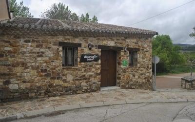 El Pozo - Casa rural que acepta mascotas en Madrid (La Serna del Monte)
