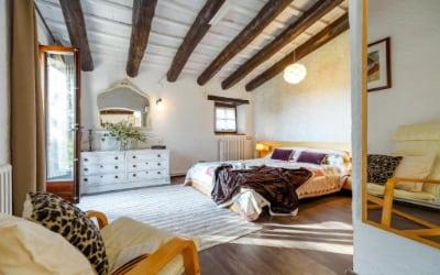 Masía Can Manet del Bosc S XVIII casa rural para ir con mascotas a Barcelona - Santa Eulàlia de Ronçana