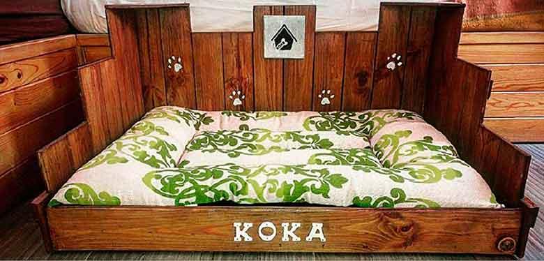 Cama de madera para perros, personalizada y hecha a mano - WoodLights