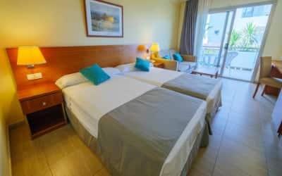 Dwo Sirius by Checkin hotel que admite perros en Santa Susanna